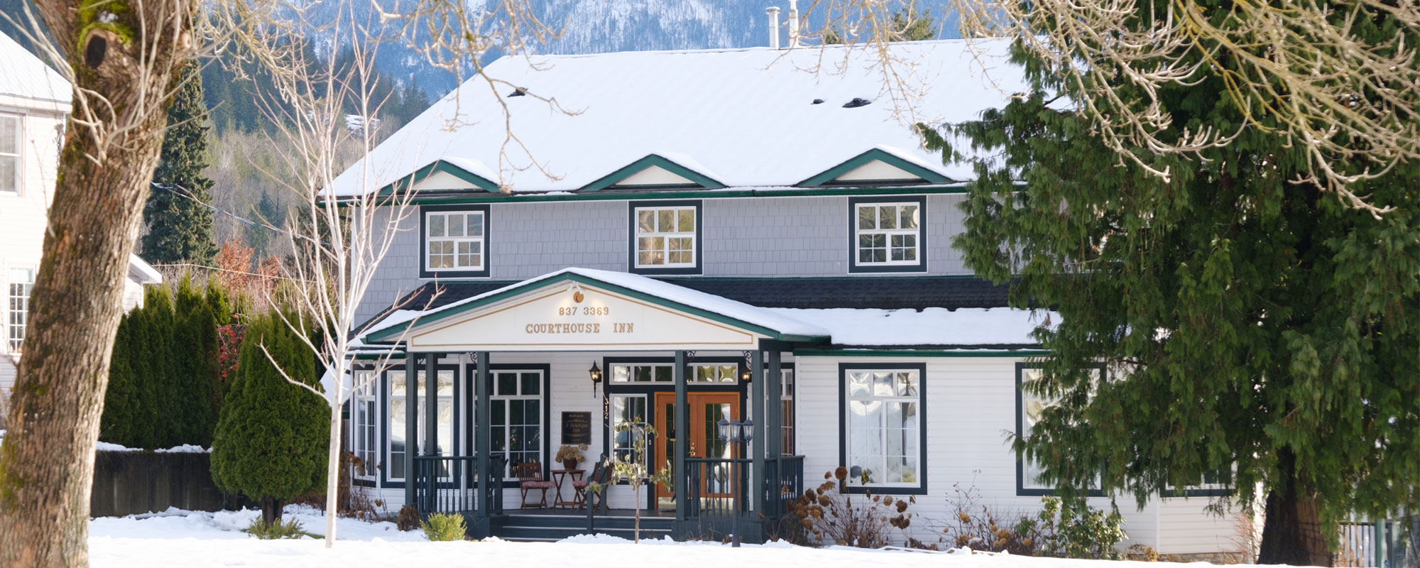 Welcome to the Courthouse Inn in Revelstoke, BC