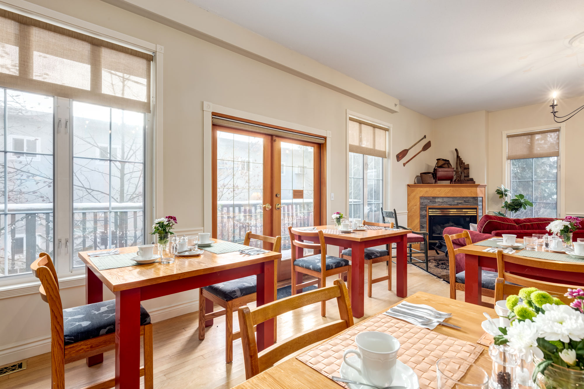 Dine and enjoy Breakfast at Courthouse Inn, Revelstoke, BC